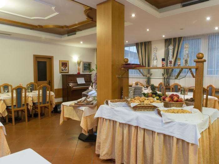 ristorante-hotel-lucia-centro-levico-terme.jpg