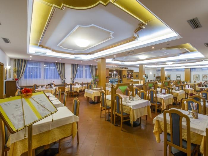 ristorante-hotel-lucia.jpg