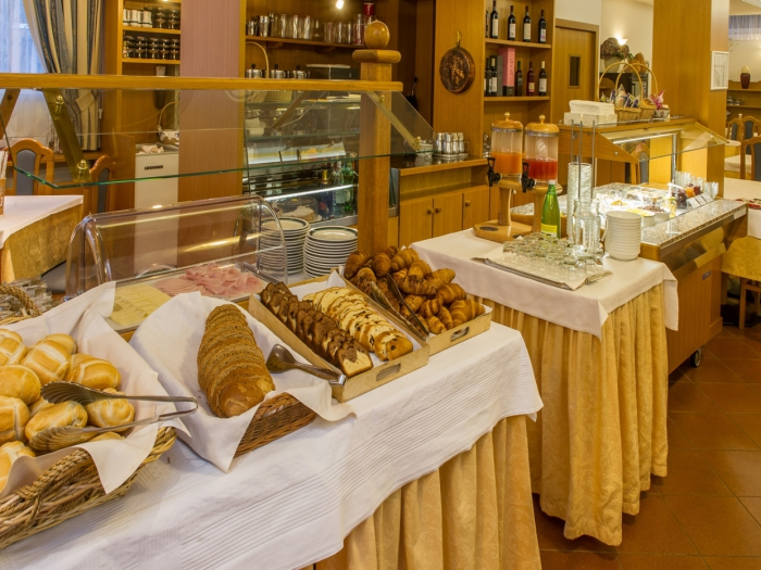 buffet-cibi-tipici-hotel-centro-levico.jpg